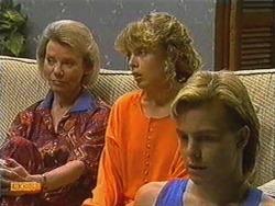 Helen Daniels, Charlene Mitchell, Scott Robinson in Neighbours Episode 0723