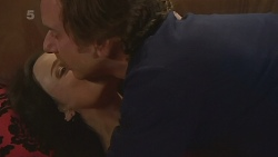 Emilia Jovanovic, Lucas Fitzgerald in Neighbours Episode 6296