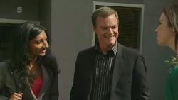 Priya Kapoor, Paul Robinson, Kate Ramsay in Neighbours Episode 6296