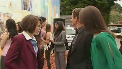 Sophie Ramsay, Noah Parkin, Priya Kapoor, Paul Robinson, Kate Ramsay in Neighbours Episode 6296