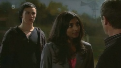 Noah Parkin, Priya Kapoor, Paul Robinson in Neighbours Episode 6297