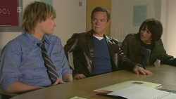 Andrew Robinson, Paul Robinson, Sophie Ramsay in Neighbours Episode 6298