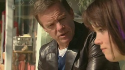 Paul Robinson, Sophie Ramsay in Neighbours Episode 6298