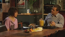 Sophie Ramsay, Paul Robinson in Neighbours Episode 6300
