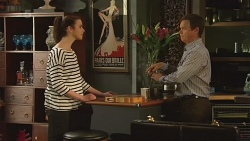 Kate Ramsay, Paul Robinson in Neighbours Episode 6300