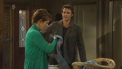 Susan Kennedy, Malcolm Kennedy in Neighbours Episode 6300