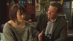 Sophie Ramsay, Paul Robinson in Neighbours Episode 6301