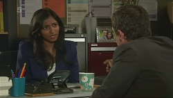 Priya Kapoor, Paul Robinson in Neighbours Episode 6302