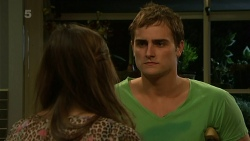 Jade Mitchell, Kyle Canning in Neighbours Episode 6306