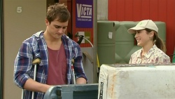 Kyle Canning, Sonya Mitchell in Neighbours Episode 6306