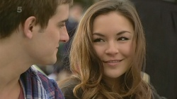 Kyle Canning, Jade Mitchell in Neighbours Episode 6307