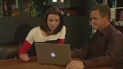 Kate Ramsay, Paul Robinson in Neighbours Episode 6308
