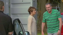 Toadie Rebecchi, Susan Kennedy, Karl Kennedy in Neighbours Episode 6310