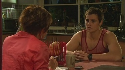 Susan Kennedy, Kyle Canning in Neighbours Episode 6313