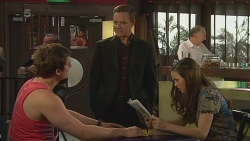 Kyle Canning, Paul Robinson, Jade Mitchell in Neighbours Episode 6313