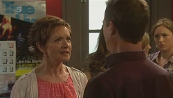 Susan Kennedy, Paul Robinson, Sonya Mitchell in Neighbours Episode 6313