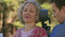 Elaine Lawson, Rhys Lawson in Neighbours Episode 6313