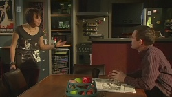 Sophie Ramsay, Paul Robinson in Neighbours Episode 6316