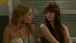 Natasha Williams, Summer Hoyland in Neighbours Episode 6318