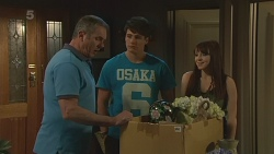 Karl Kennedy, Chris Pappas, Summer Hoyland in Neighbours Episode 6321