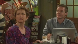 Susan Kennedy, Paul Robinson in Neighbours Episode 6321