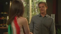 Kate Ramsay, Paul Robinson in Neighbours Episode 6322