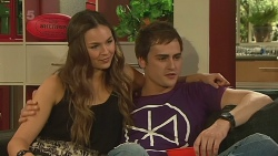 Jade Mitchell, Kyle Canning in Neighbours Episode 6323