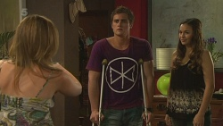 Sonya Mitchell, Kyle Canning, Jade Mitchell in Neighbours Episode 6323