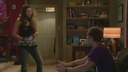 Jade Mitchell, Kyle Canning in Neighbours Episode 6324
