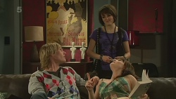 Andrew Robinson, Sophie Ramsay, Summer Hoyland in Neighbours Episode 6327