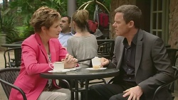 Susan Kennedy, Paul Robinson in Neighbours Episode 6327