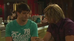 Chris Pappas, Andrew Robinson in Neighbours Episode 6332