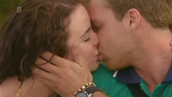 Kate Ramsay, Dominic Emmerson in Neighbours Episode 6332
