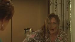 Susan Kennedy, Sonya Mitchell in Neighbours Episode 6335