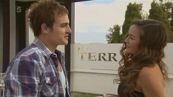 Kyle Canning, Jade Mitchell in Neighbours Episode 6337