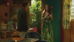 Paul Robinson, Erin Salisbury in Neighbours Episode 6339
