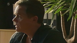 Paul Robinson in Neighbours Episode 6339