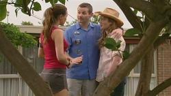 Jade Mitchell, Toadie Rebecchi, Sonya Mitchell in Neighbours Episode 6341