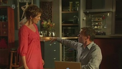 Susan Kennedy, Paul Robinson in Neighbours Episode 6342