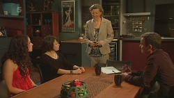 Kate Ramsay, Sophie Ramsay, Roz Challis, Paul Robinson in Neighbours Episode 6344