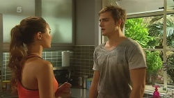 Jade Mitchell, Kyle Canning in Neighbours Episode 6344