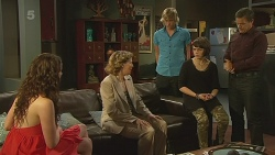 Kate Ramsay, Roz Challis, Andrew Robinson, Sophie Ramsay, Paul Robinson in Neighbours Episode 6344