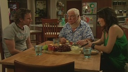 Lucas Fitzgerald, Lou Carpenter, Emilia Jovanovic in Neighbours Episode 6345