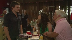 Rhys Lawson, Kate Ramsay, Lou Carpenter in Neighbours Episode 6345