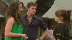 Kate Ramsay, Rhys Lawson, Summer Hoyland in Neighbours Episode 6345