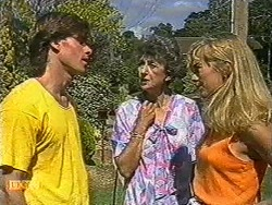 Mike Young, Nell Mangel, Jane Harris in Neighbours Episode 0726