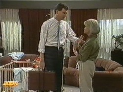 Des Clarke, Helen Daniels in Neighbours Episode 0729
