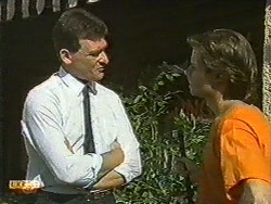 Des Clarke, Mike Young in Neighbours Episode 0729