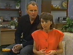 Jim Robinson, Beverly Marshall in Neighbours Episode 0730
