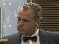Jim Robinson in Neighbours Episode 0731